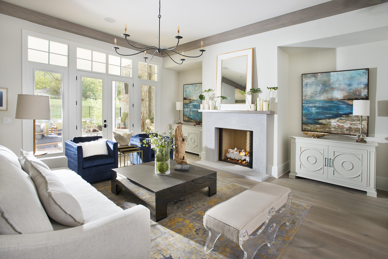 Parade-Living-room